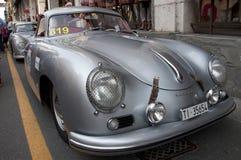 Rétros voitures Mille Miglia de course célèbre Images libres de droits