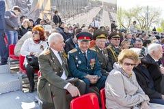 Réunion des vieux amis de général et de colonel sur la célébration sur Ann Photo stock