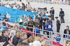 Réunion des vieux amis sur la célébration sur Victory Day annuelle, mai Photo stock