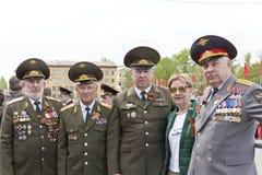 Réunion des vieux amis sur la célébration sur Victory Day annuelle, mai Photographie stock libre de droits