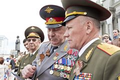 Réunion des vieux amis sur la célébration sur Victory Day annuelle, mai Photographie stock