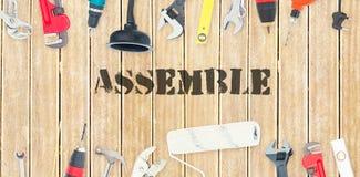 Réunissez contre les outils diy sur le fond en bois illustration libre de droits