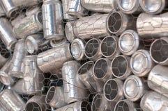 Réutilisation - bidons en aluminium Photo stock