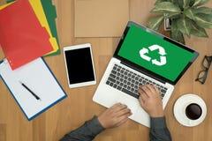 Réutilisez le bio ecosyst vert d'harmonie d'environnement d'économie de forêt d'eco Image libre de droits