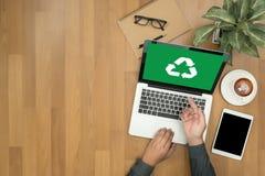 Réutilisez le bio ecosyst vert d'harmonie d'environnement d'économie de forêt d'eco Photo stock