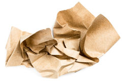 Réutilisez le papier chiffonné naturel beige de vintage sur le backgroun blanc photos stock