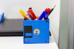 Réutilisez les objets à disque souple et créatifs utilisés Images libres de droits