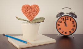 Réveil de temps de livre d'amour de journal intime Photo stock