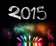 Réveillon de la Saint Sylvestre 2015 avec des feux d'artifice Photographie stock libre de droits