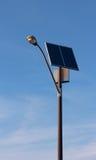 Réverbère à énergie solaire Photos stock