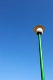 Réverbère avec le ciel bleu photo stock