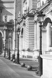 Réverbères dans le musée de Louvre, Paris Photo stock
