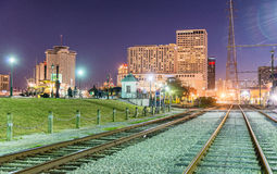 Réverbères de la Nouvelle-Orléans la nuit de Mardi Gras Photo libre de droits