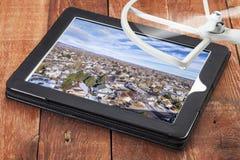 Révision des photos aériennes Photographie stock libre de droits
