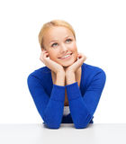 Rêver heureux de femme image stock