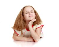 Rêver l'écolière avec les cheveux courts débordants blonds photo stock