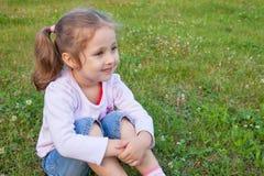 Rêver la petite fille Image stock