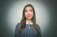 Rêver le femme Portrait se demandant de fille image libre de droits