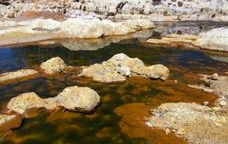 Río ácido extremo Tinto en Niebla, España imagen de archivo libre de regalías