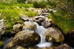 Río 2 de la montaña imagenes de archivo