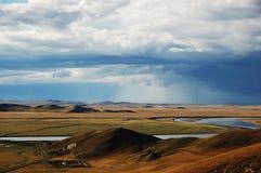 Río amarillo en los prados Imagen de archivo libre de regalías