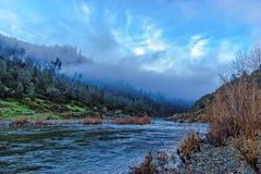 Río americano North Fork en castaño, California foto de archivo