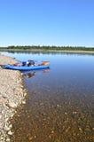 Río amplio y el barco Fotografía de archivo libre de regalías