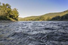 Río Anuy de la montaña imagen de archivo