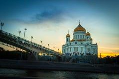 Río, calle, puente, templo, disminución fotografía de archivo libre de regalías