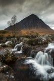 Río cerca de Ballachulish, Escocia foto de archivo