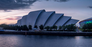 Río Clyde con el armadillo y la energía hidraúlica Fotos de archivo