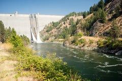 Río concreto Idaho de North Fork Clearwater de la gravedad de la presa de Dworshak fotos de archivo libres de regalías
