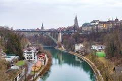 Río de Aare en Berna, Suiza Imágenes de archivo libres de regalías