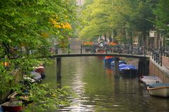 Puente en Amsterdam Imagen de archivo libre de regalías