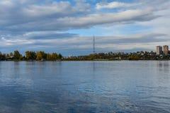 Río de Angara en Irkutsk Fotos de archivo libres de regalías