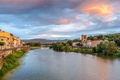 Río de Arno en la puesta del sol Florencia, Italia Fotografía de archivo
