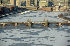 Río de Charles y puente de Longfellow, Boston foto de archivo libre de regalías