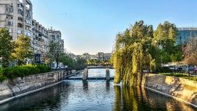 Río de Dambovita de Bucarest Foto de archivo libre de regalías