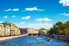 Río de Fontanka en verano fotos de archivo libres de regalías