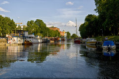 Río de Fyris en Uppsala, Suecia imagen de archivo