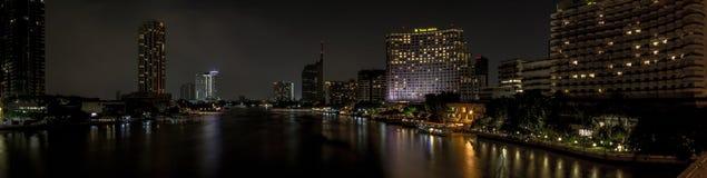 Río de Jaopraya de la opinión del hotel del la de Shangri foto de archivo libre de regalías