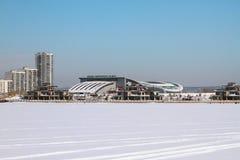Río de Kazanka y palacio del solo ` de las barras de Ak del ` de los combates Kazan, Rusia imagenes de archivo