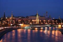 Río de Kremlin y de Moscú Imagen de archivo libre de regalías
