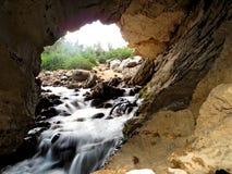 Río de la cueva Imágenes de archivo libres de regalías