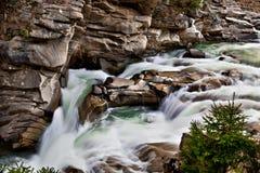 Río de la montaña fotos de archivo libres de regalías