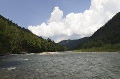 Río de la montaña del Cáucaso Imagen de archivo libre de regalías