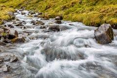 Río de la montaña en Islandia Foto de archivo libre de regalías