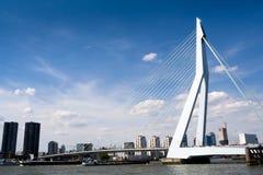 Río de la Mosa y puente de Erasmus Fotos de archivo libres de regalías