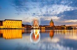 Río de la rueda de los transbordadores Toulouse, Francia imagenes de archivo