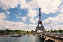 Río de la torre Eiffel y del sen Fotografía de archivo libre de regalías